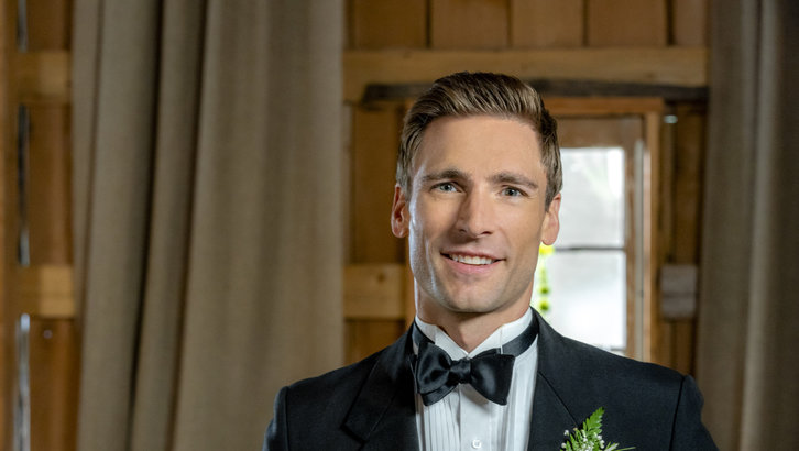 "Exclusive: An Interview With Andrew Walker From Hallmark Channel's ""Wedding March 4: Something Old, Something New"""
